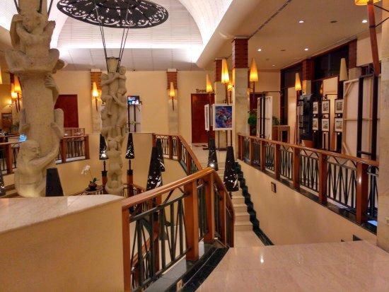 Novotel Surabaya Hotel and Suites: IMG_20171012_192443_HDR_large.jpg
