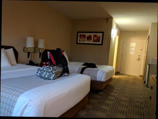 La Quinta Inn & Suites Fairfield | 38 Two Bridges Rd, Fairfield, NJ, 07004 | +1 (973) 575-1742