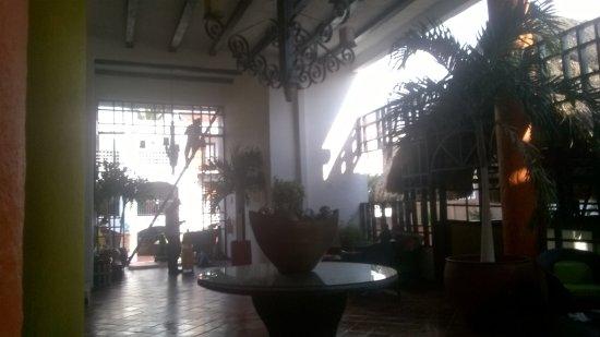 Sansiraka Hotel: Entrada