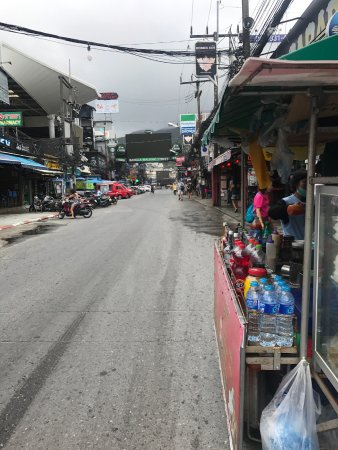 Patong Beach : Dirty, and not in the least bit authentic!