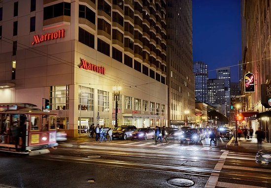 Stay in the heart of downtown near top shopping at San Francisco Marriott Union Square