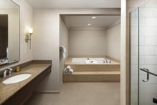 Doubletree By Hilton Hotel Ontario Airport Bath And Separate Shower
