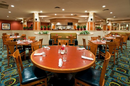 Holiday Inn Hotel & Suites Cincinnati-Eastgate: McKenna's Restaurant & Lounge