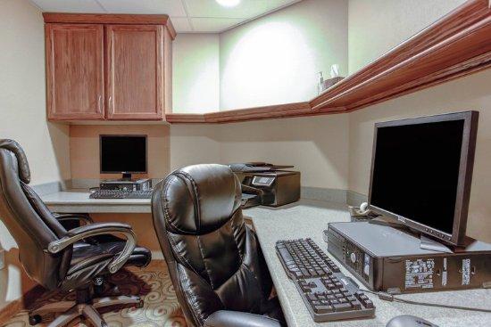Comfort Inn Bangor: Business Center