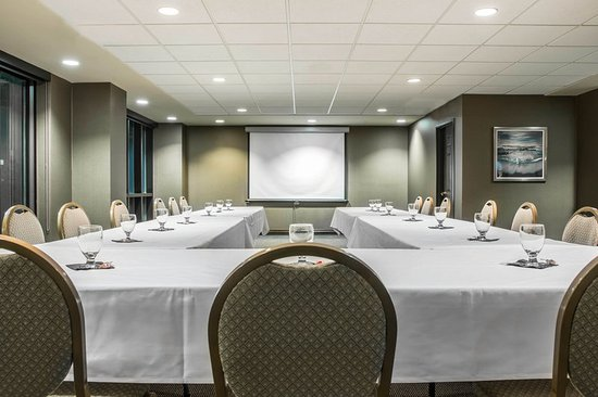 Shoreline Inn & Conference Center, an Ascend Hotel Collection Member: Mi Meeting