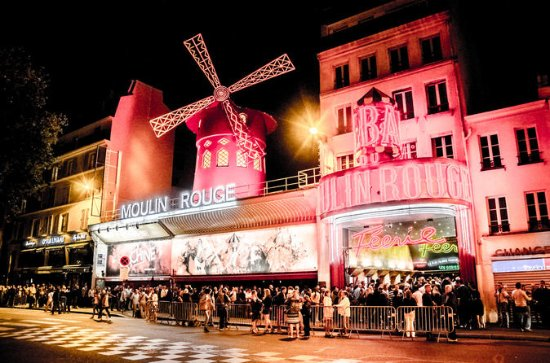 Moulin Rouge Show: VIP Seating with...