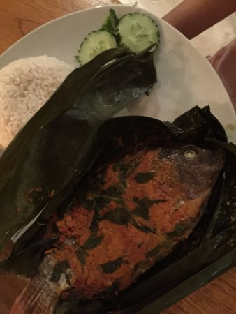 Cabe Rawit: Grilled fish with spicy sauce