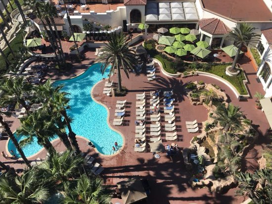 The Waterfront Beach Resort, A Hilton Hotel: View of pool from 1218
