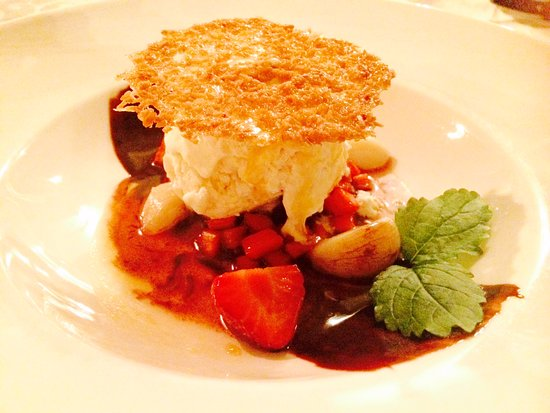 Balthasar: Dessert - Garlic Icecream. Delikat, uvanlig og smakfull.