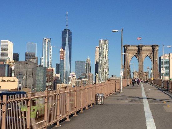 هوتل بي بي إم - بروكلين نيويورك: 朝のブルックリン・ブリッジは気持ちいい