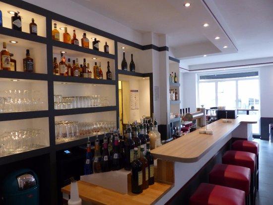 tresen picture of eastwood bar restaurant bad honnef tripadvisor. Black Bedroom Furniture Sets. Home Design Ideas