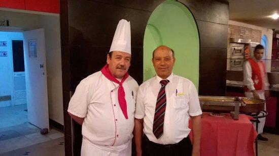 PrimaSol El Mehdi : Менеджер и шеф-повар.