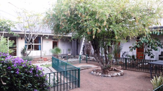 Tsumeb, Namibia: We had three rooms all facing the pool/gardem area
