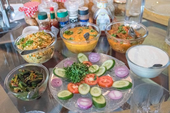 Bhola Bhawan Bed and Breakfast: Delicious Personalized Full Meal!! Adjusted to any taste or preference.