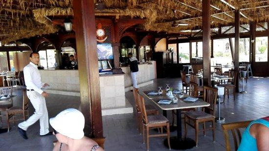 Steigenberger Makadi Hotel: Das Strandrestaurant Iberotel/Steigenberger