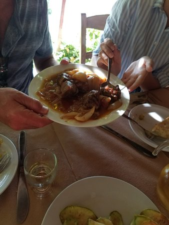 Episkopi, Grecia: The meat dish, my son said it was AMAZING!