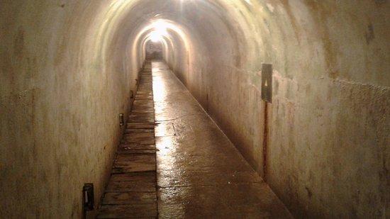 Hotel Zum Turken WWII Bunkers: Long hallway in upper level of bunker complex