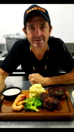 Sucua, Ecuador: PARRILLADAS GOURMET  EVERYDAY IN RONCOS RESTAURANT
