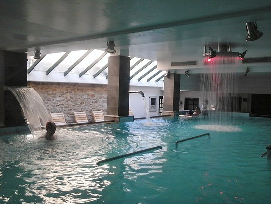 https://media-cdn.tripadvisor.com/media/photo-s/11/13/ba/0e/grand-hotel-terme-roseo.jpg