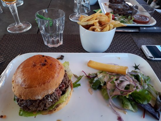 Brasserie Les Touristes: burger des sous bois