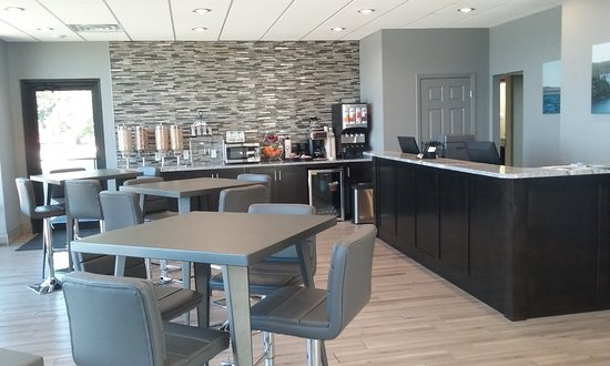 Lake Norfork Resort: Lobby & Continental Breakfast Area