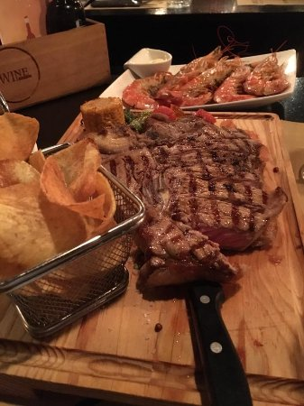 The Wine Box - Vinhos & Tapas: T Bone Steak