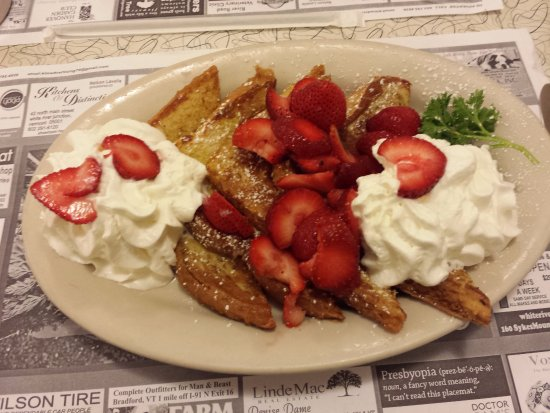 """Hanover, NH: """"Texas Style French Toast"""" with fresh strawberries"""
