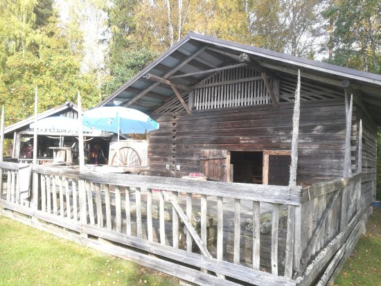 Vastra Gotaland County, Suecia: Old barn with some ancient decorations inside