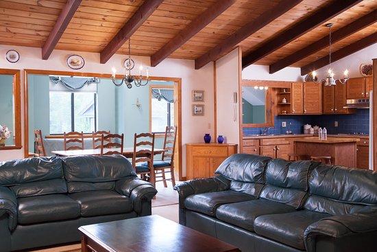 Snowed Inn: two bedroom apt suite