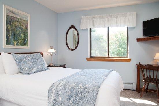 Snowed Inn: Queen room