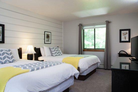 Snowed Inn: Double Queen room