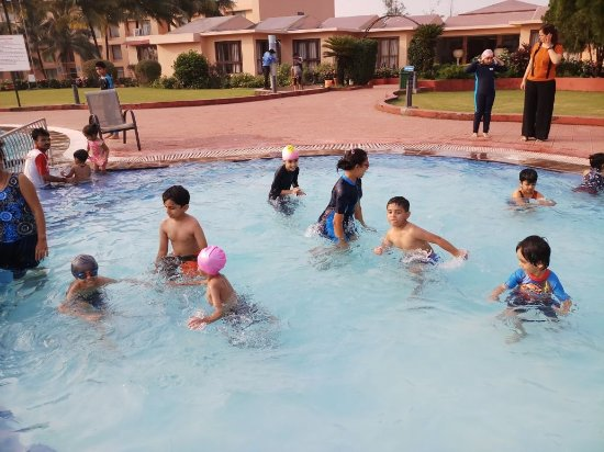 Treat resort silvassa resort reviews photos rate - Hotels in silvassa with swimming pool ...