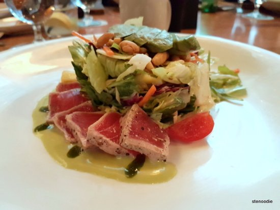 JOEY Eaton Centre: Yellowfin Tuna Salad