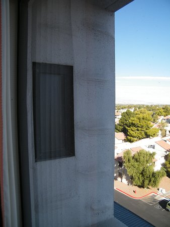 view from window.. little window on left you see is in the shower
