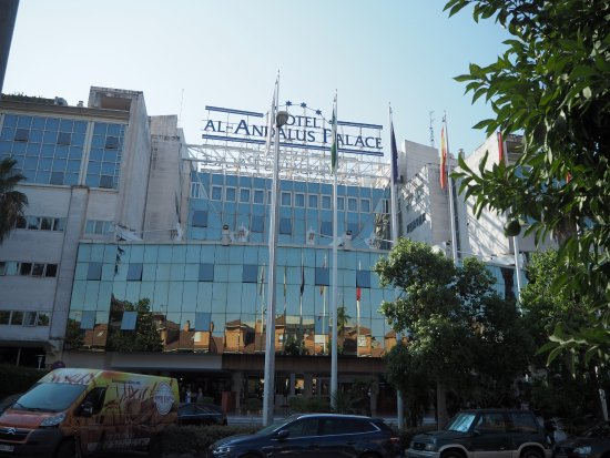 Silken Al-Andalus Palace Hotel: From Outside