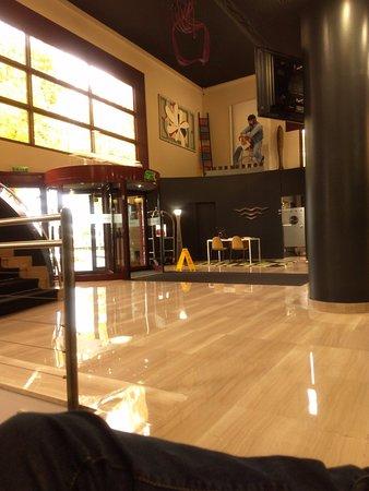 Silken Amara Plaza Hotel : Lobby