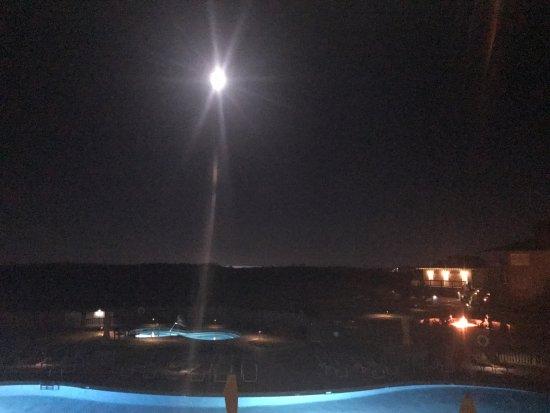 Sanderling Resort: Full Moon with a Bonfire