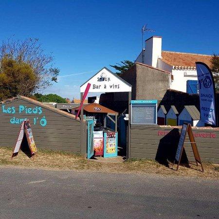 La Gueriniere, France: Voici le Resto'Vins de dehors
