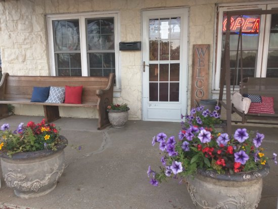 Aurora, KY: Front Porch