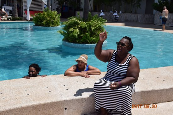 Girls At The Pool Picture Of Grand Fiesta Americana Puerto Vallarta All Inclusive Adults Only