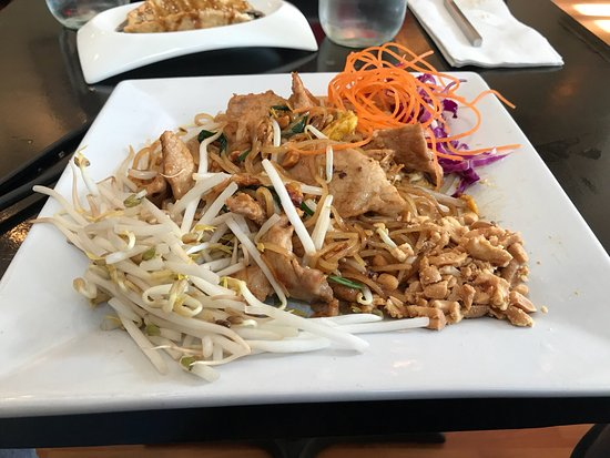 photo2.jpg - Picture of Andy's Thai