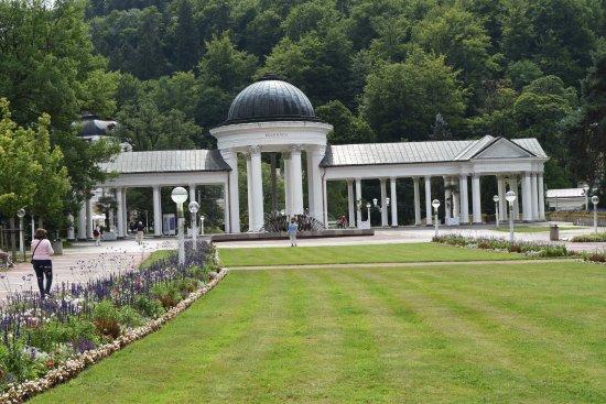 Marianske Lazne, Czech Republic: park cudownie utrzymany ... niemal Wersal