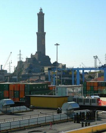 Lanterna di Genova : Da una nave da crociera
