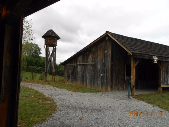 Great Smoky Mountain Heritage Center: saw mill