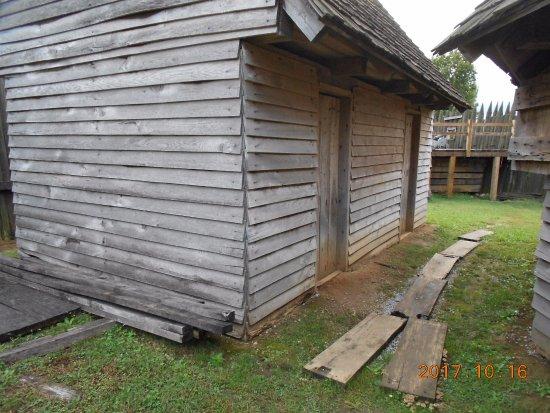 Vonore, TN: building