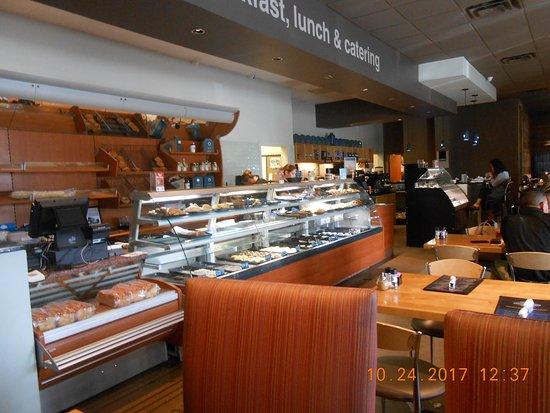 European American Bakery Cafe: dine