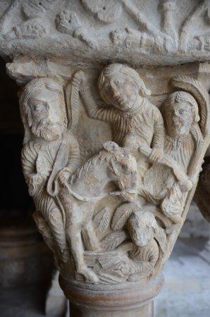 Cloître Saint-Trophime : Capitel 2