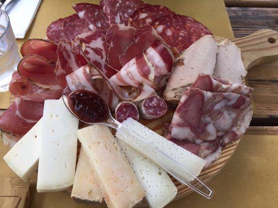 Ponteginori, Italia: Platte