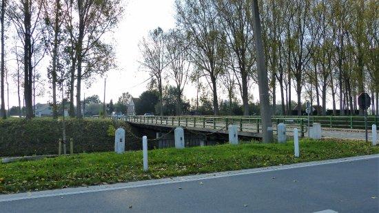 Damme, Bélgica: Brug over de kanalen