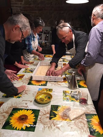 Salida, CO: We are passionate about food.  Cooking classes, food and wine tastings are part of the fun!